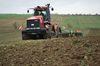 Der CASE Quadrac und die Amazone Centaur bereiten das Saatbett für den Winterweizen